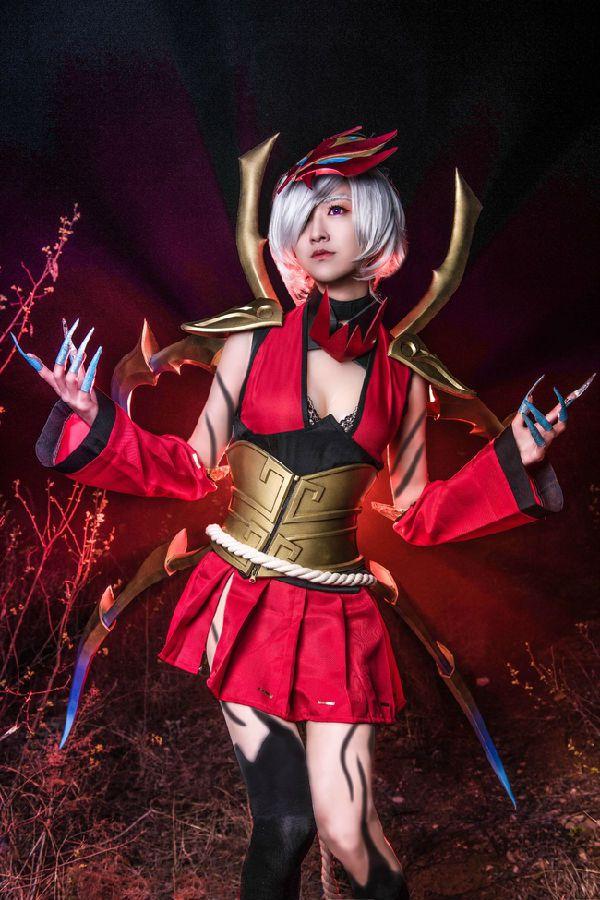 【黑色玫瑰】腥红之月!蜘蛛女皇伊莉丝