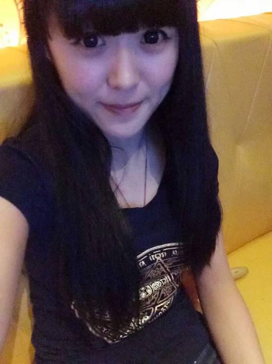 小酒窝的迷人微笑 8月舞林大会亚军琳琳