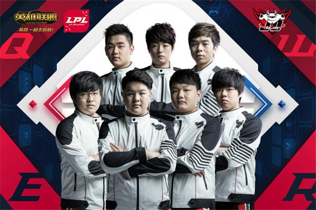 图4:在新人中单Yagao的带领下,JDG本赛季首入季后赛.jpg